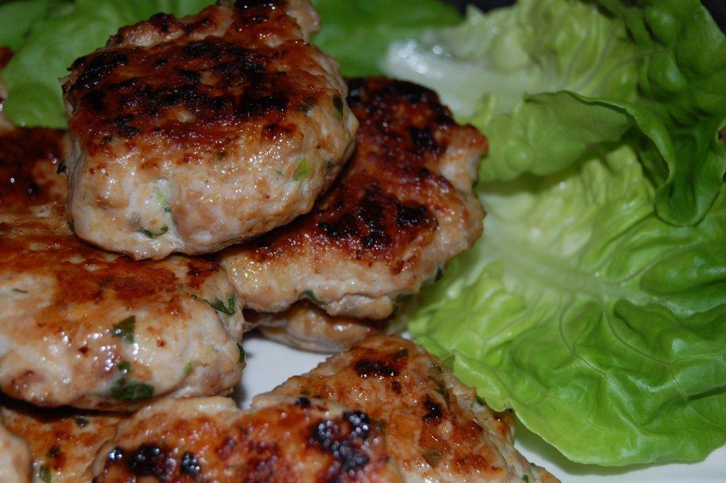 ... .com/recipes/quick-recipes/2012/09/chicken-sausage-lettuce-wraps
